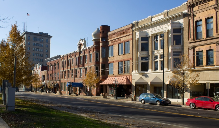 photo of Warren Ohio downtown